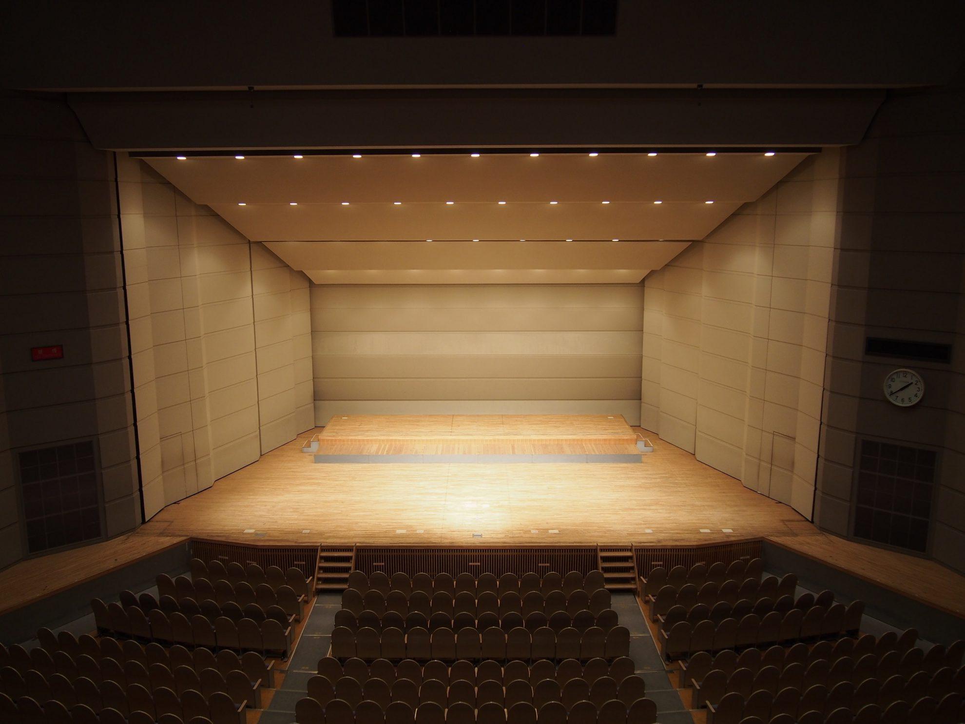 大ホール※反響板あり